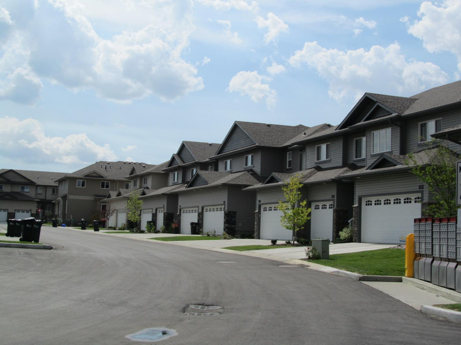 Creekside Village, Sherwood Park, AB