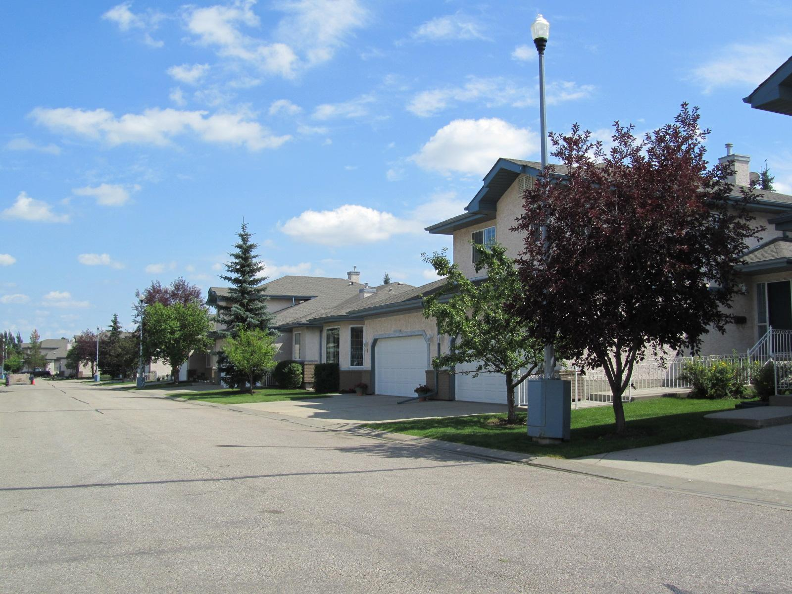 Estates Village, Sherwood Park, AB