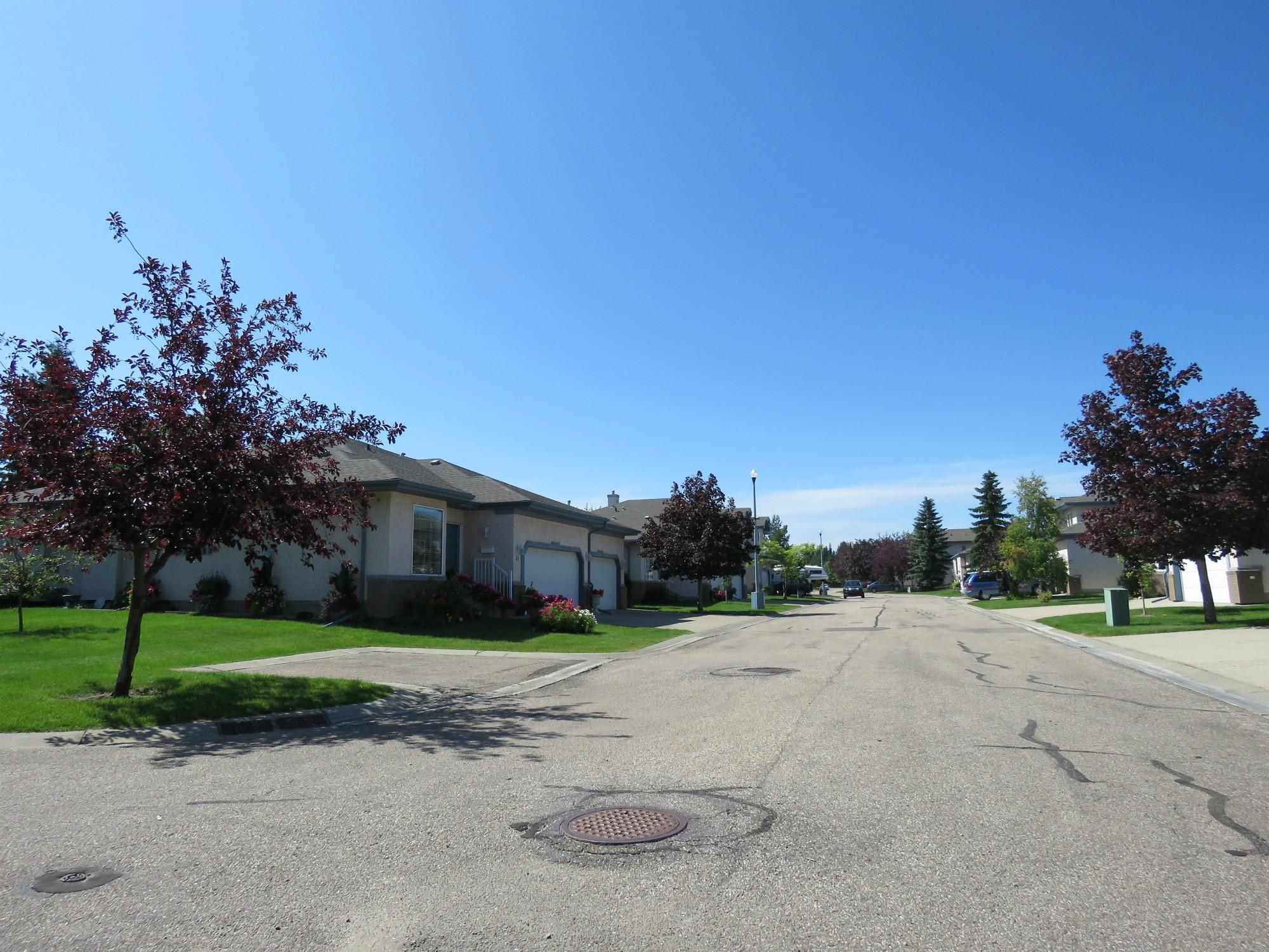 Estates of Sherwood Park, Sherwood Park, AB